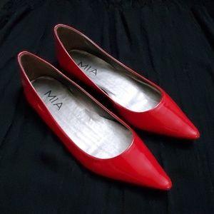 MIA Red Pointy Toe Flats - size 7